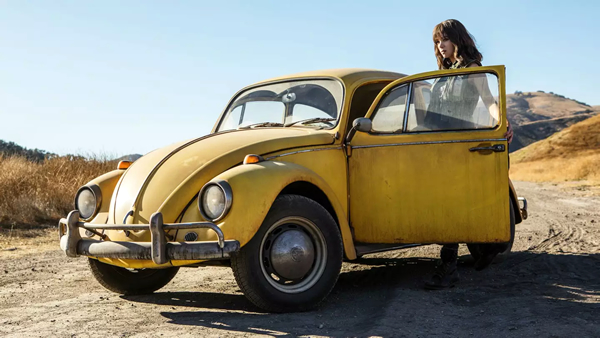 cuál es el auto de bumblebee la película 2018