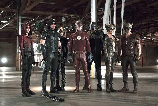 arrow temporada 8 final, crossover arrowverse