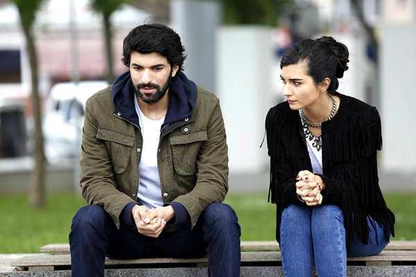 kara para ask, serie y novela turca, amor de contrabando, dinero sucio y amor